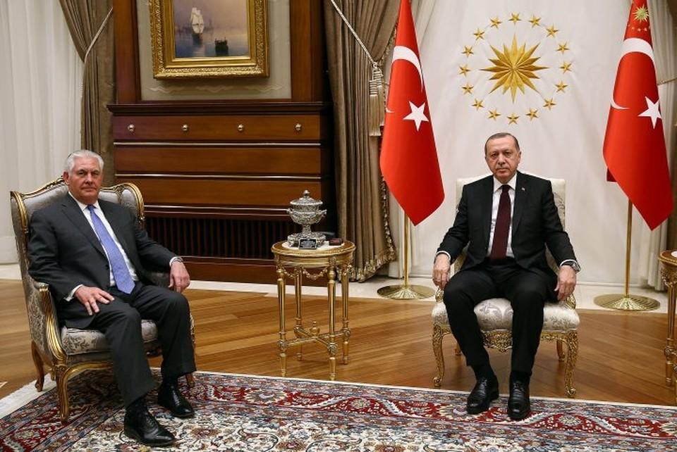 Президент Турции Реджеп Тайип Эрдоган и госсекретарь США Рекс Тиллерсон