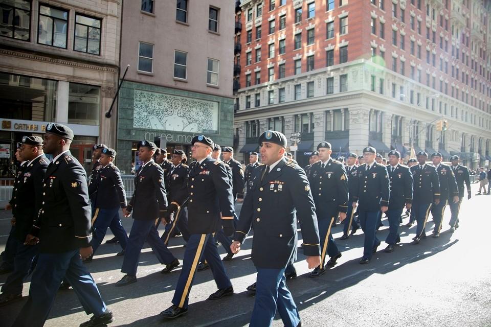 Военнослужащие США на параде в Нью-Йорке