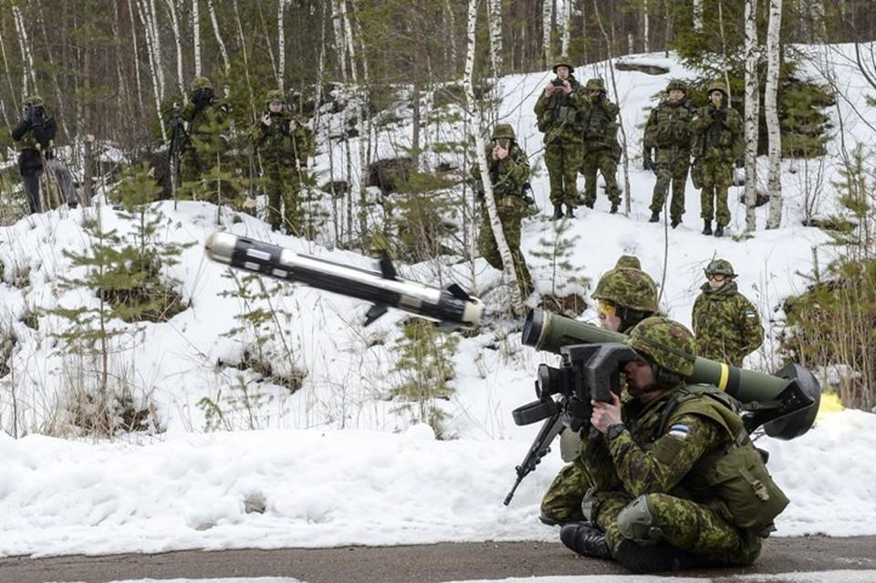 Американские переносные противотанковые ракетные комплекы (ПТРК) Javelin
