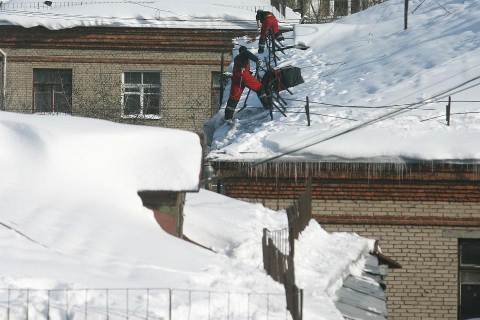 Если снег не счистили в главного здания поселка, то что же с остальными?