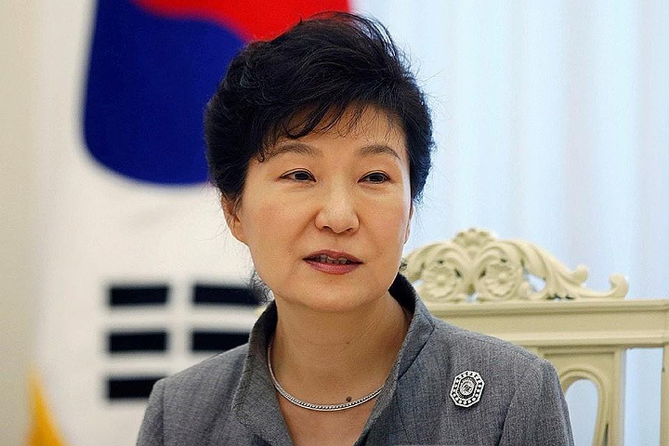 Пак Кын Хе проведет ближайшие 24 года в тюрьме за взяточничество и коррупцию