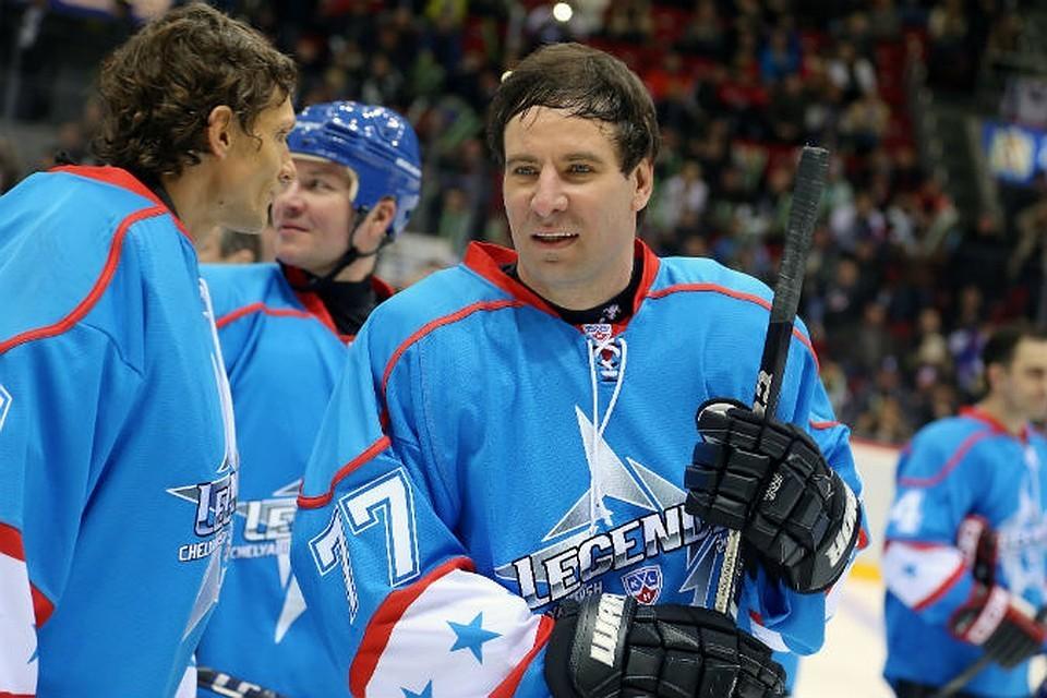 Михаил Юревич очень любил играть в хоккей.
