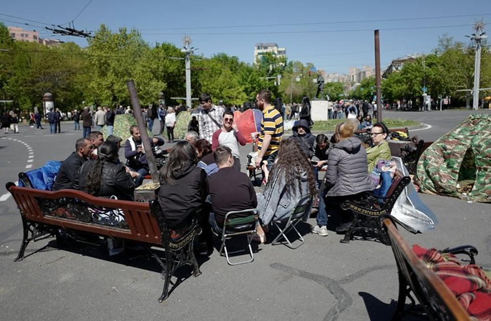 Оппозиционеры установили палатки в центре Еревана