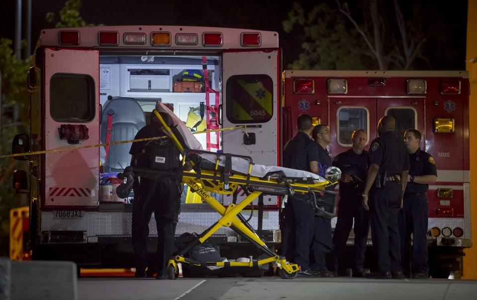 Следователи и спасатели работали на месте происшествия всю ночь