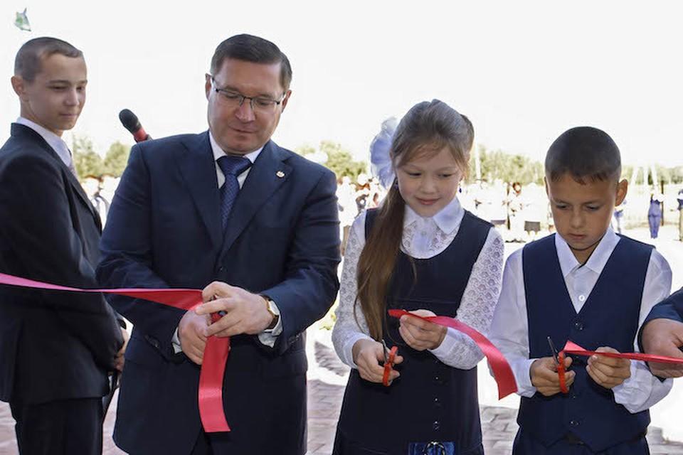 Владимир Якушев на открытии школы. Фото предоставлено пресс-службой губернатора Тюменской области.