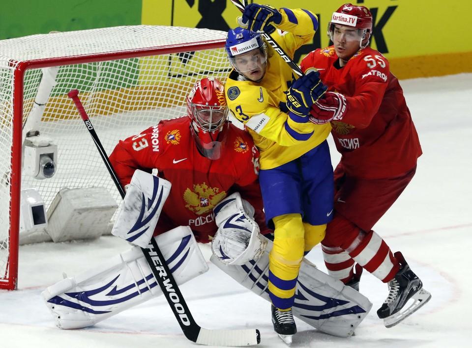 Сборная России уступила 1:3 Швеции в последней игре группового этапа.