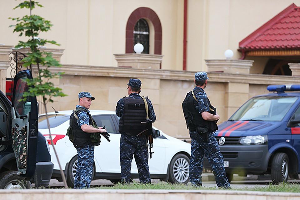 В результате инцидента погибли двое полицейских, которые охраняли храм. Фото: Елена Афонина/ТАСС
