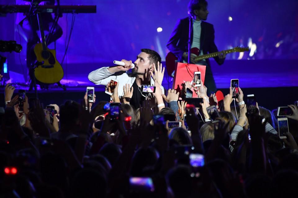 Дима Билан приехал в Кемерово с концертом и решил пообщаться с юными талантами.