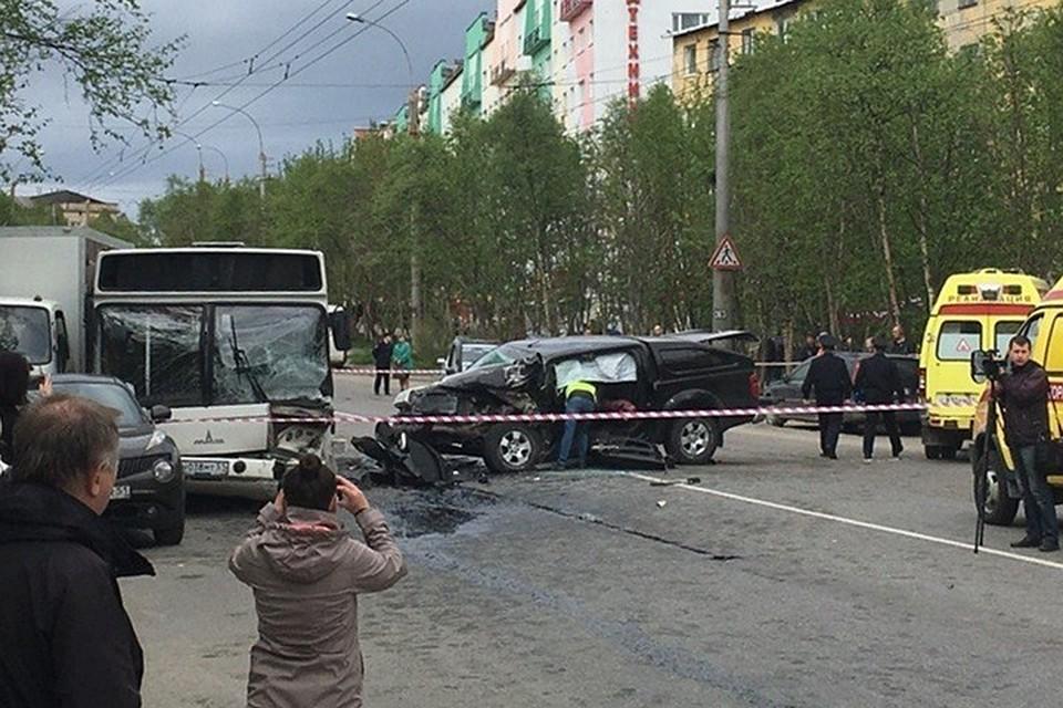 b1313faa81d2 После страшной аварии в Мурманске пассажиры автобуса получат деньги