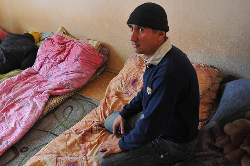 В квартире москвича прописали сотни мигрантов