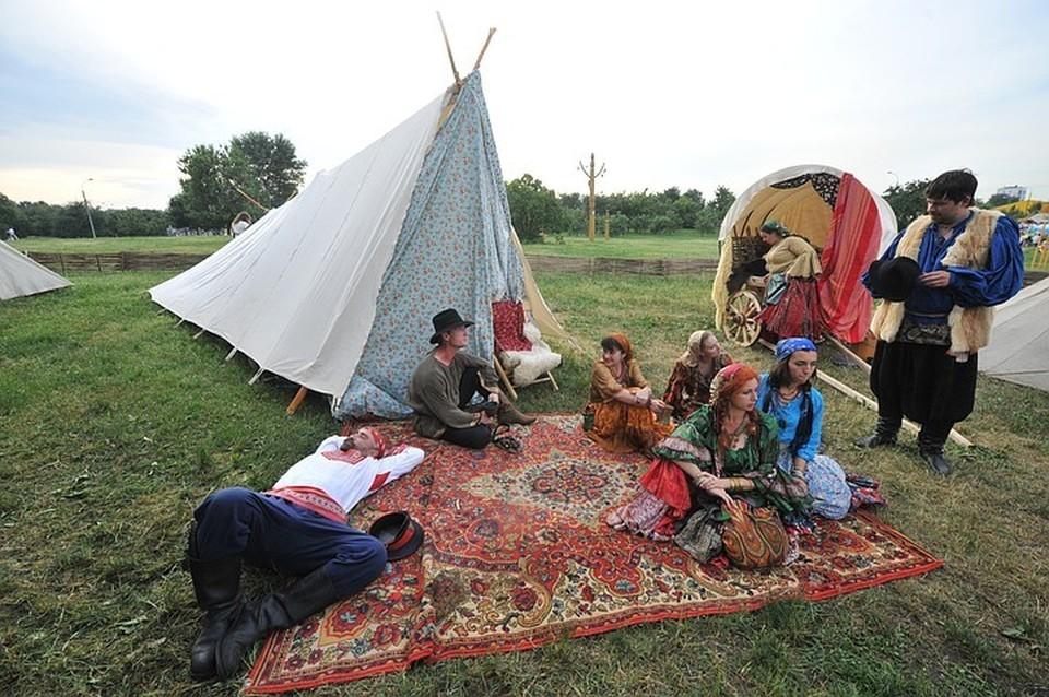 Подо Львов вооруженные люди напали на цыган