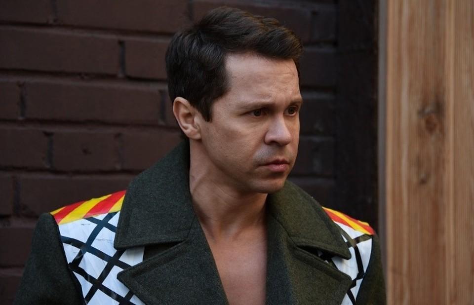Павел Деревянко одинаково хорошо исполняет как драматические, так и комедийные роли