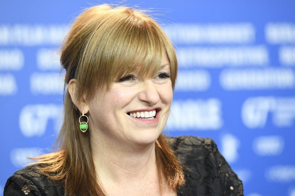 Режиссером сольного фильма о Черной вдове стала Кейт Шортленд.