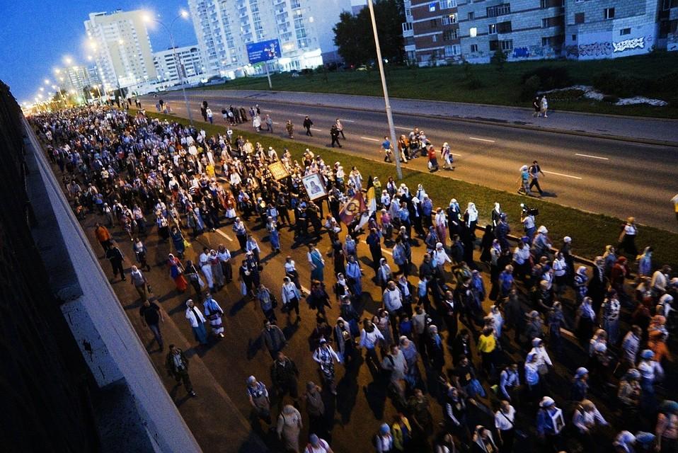 В Крестном ходе приняли участие тысячи паломников: от детсадовцев до пенсионеров