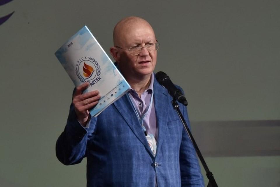 Почетный гость - постоянный представитель России при Организации Объединенных наций Василий Небензя