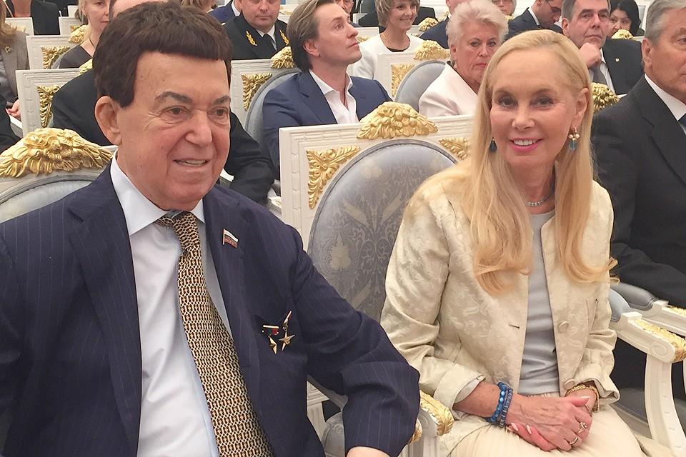 Иосиф Кобзон с супругой Нелей в Кремле.