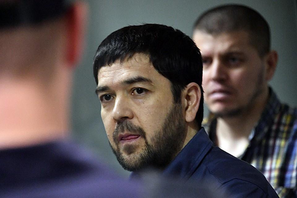 После оглашения приговора, который длился в общей сложности 19 часов 50 минут, бандиты заявили, что не виновны
