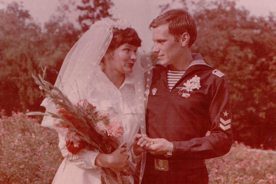 Сейчас было бы 35 лет брака. Но получилось только семнадцать... Фото: Из семейного архива
