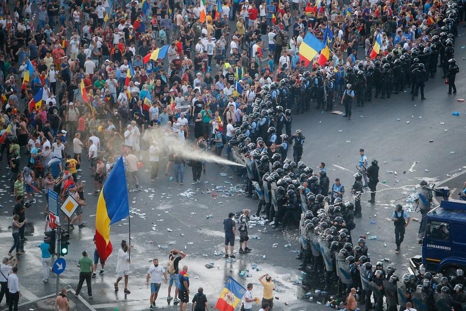 Антиправительственный митинг в Бухаресте