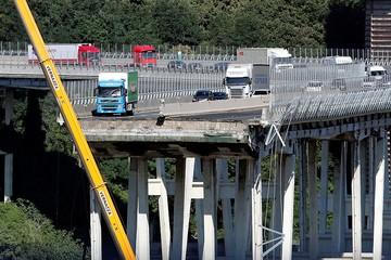 Прокуратура Италии: Рухнувший мост в Генуе, убивший 39 человек, был в аварийном состоянии уже несколько лет