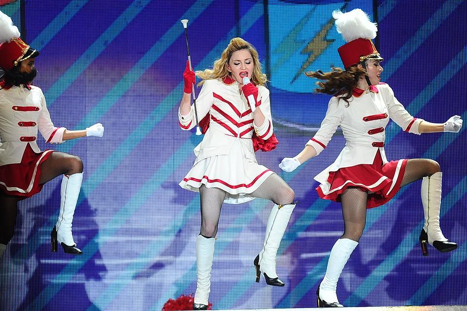"""Американская певица Мадонна выступает с концертом в СК """"Олимпийский"""" в Москве, август 2012 года."""