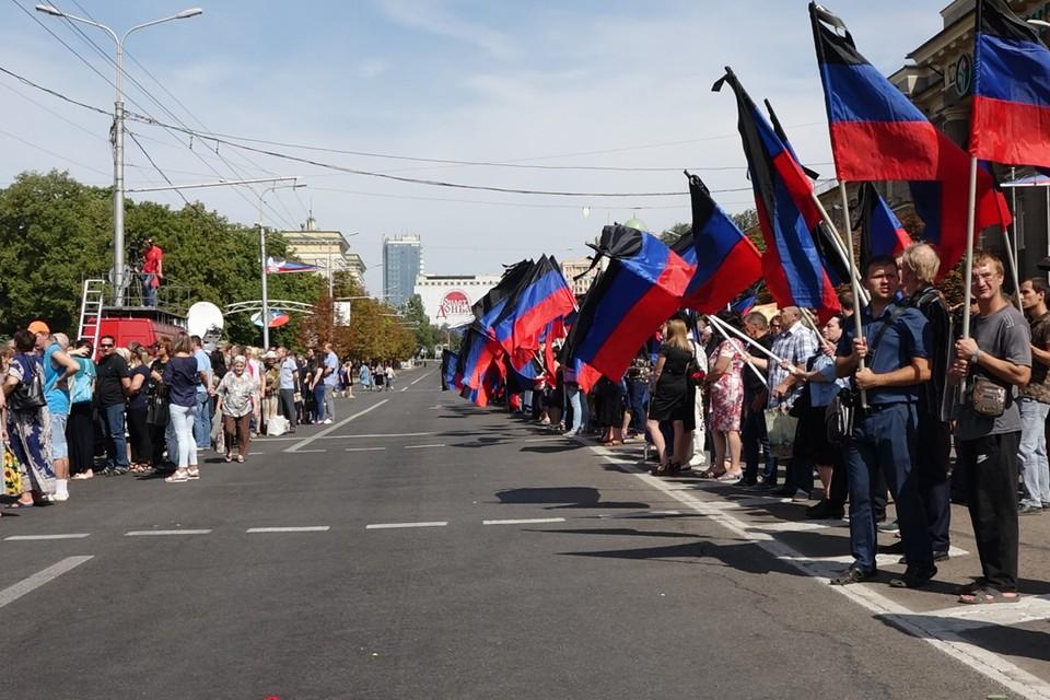 Сдаваться и отступать на Донбассе не собираются.
