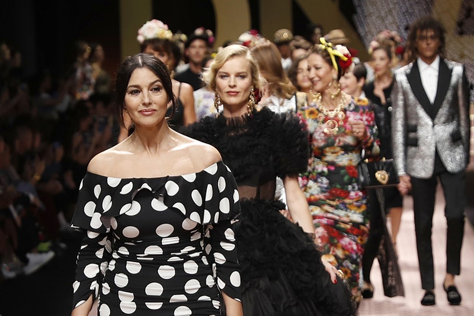 ed7549108e32 Моника Белуччи стала главной звездой показа Dolce   Gabbana на Миланской Неделе  моды.