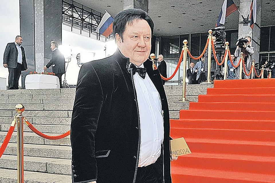 Проекты, созданные Александром Митрошенковым, больше 40 раз получали награды телепремии ТЭФИ.
