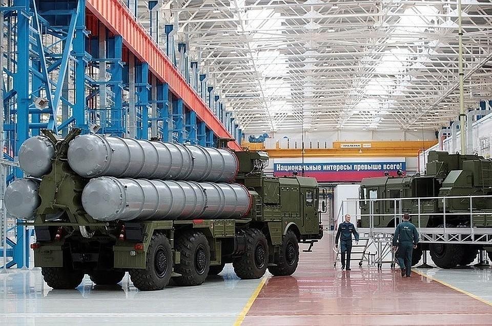 Пусковая установка зенитных ракет комплекса С-400. Фото: Михаил Метцель/ТАСС