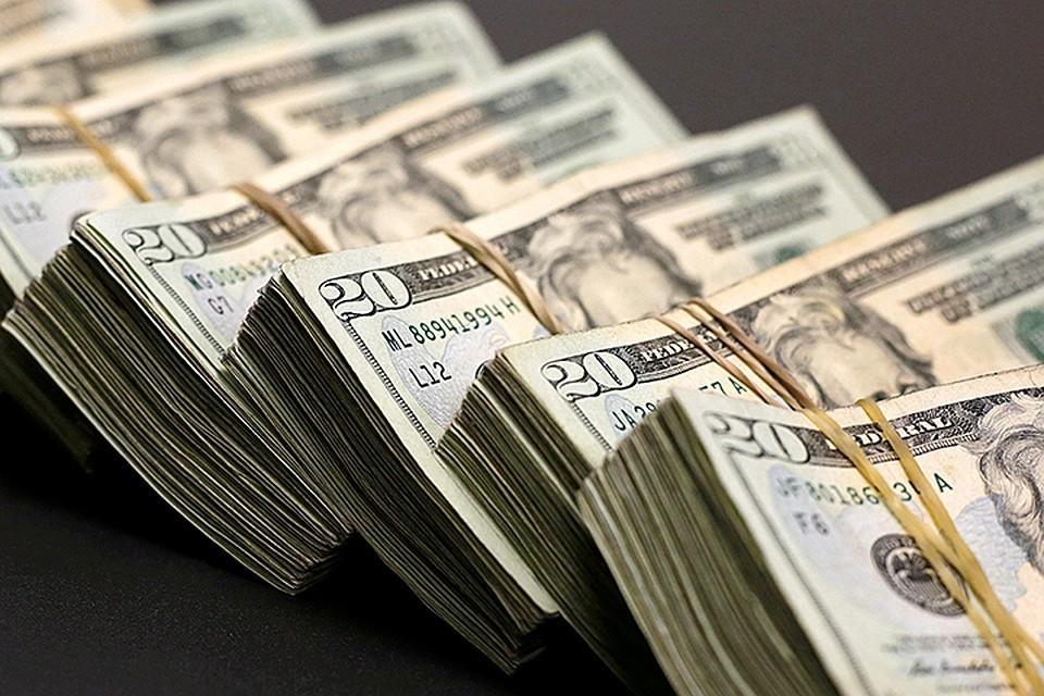 Зарубежные СМИ сообщили, что Россия готовится полностью отказаться от доллара