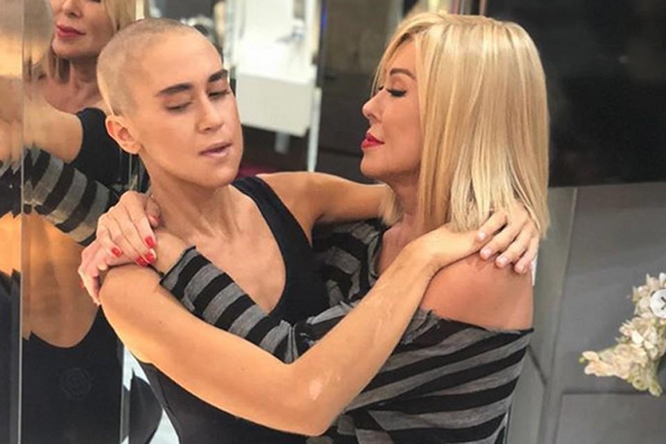 Кто-то искренне поддерживает Любовь за решение остричь волосы дочери, кто-то же в шоке от увиденного