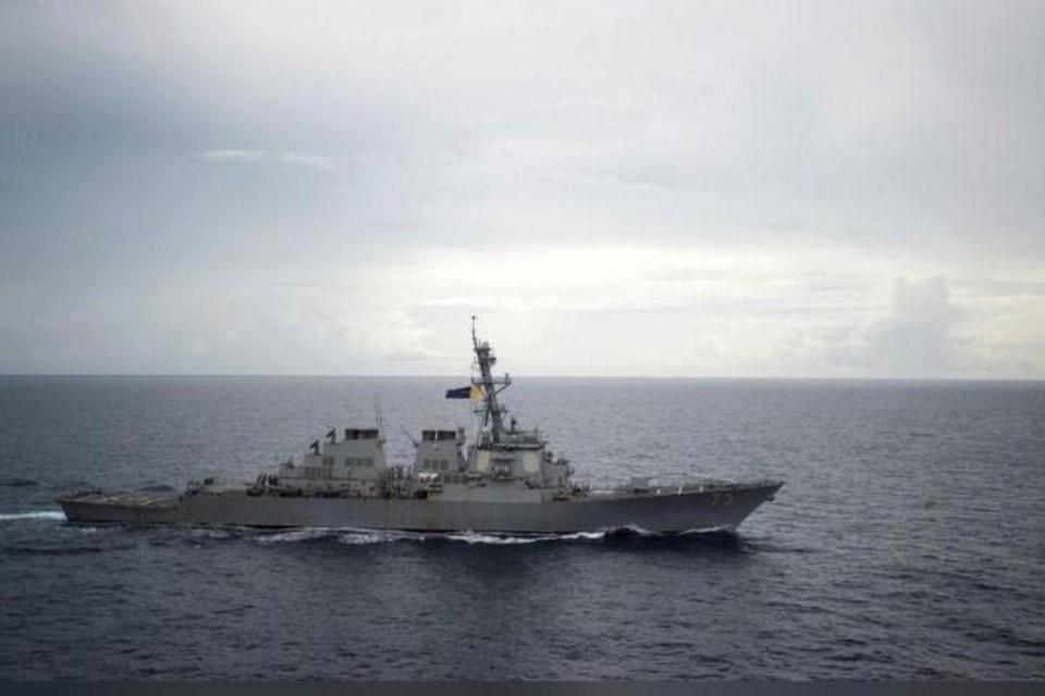 Эсминец ВМС США Decatur (DDG-73) в Южно-Китайском море