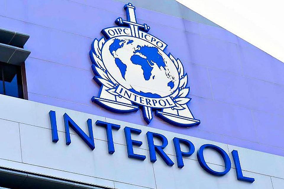 13:50Французские власти расследуют исчезновение главы Интерпола в Китае