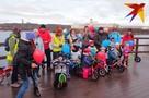 В Мурманске новую «порцию» дорожек на Семеновском озере открыли веселые малыши-велосипедисты