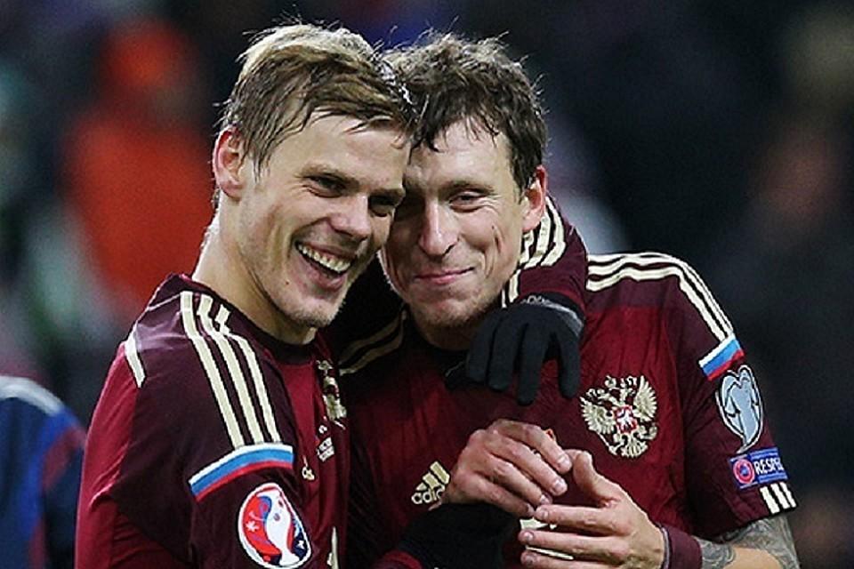 Футболисты Павел Мамаев и Александр Кокорин. Фото: Станислав Красильников/ТАСС