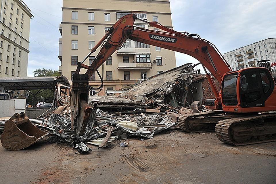 Вступили в силу решения судов о сносе 27 объектов самостроя в Москве