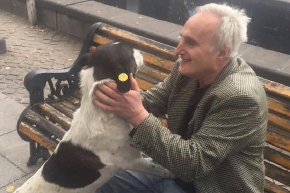 Мужчина наше л потерянную собаку спустя три года. ФОТО:https://www.facebook.com/giorgi.berejiani/videos/1965599500174674/