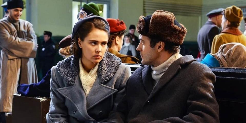 История любви Светланы и Каплина (сценариста Алексея Каплина) одна из основных сюжетных линий сериала