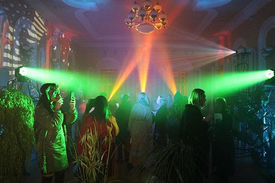 Секс вечеринки в одинцовских клубах видео новинок любительского