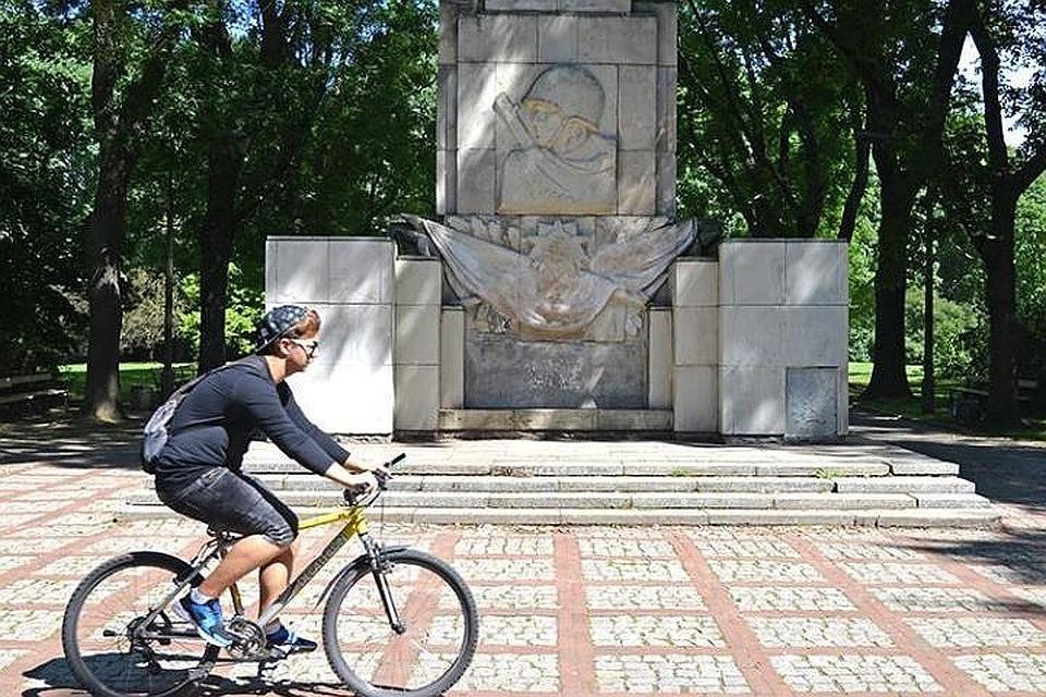 Памятник Благодарности Красной армии. Фото Алексей Панциков ТАСС варшава польша