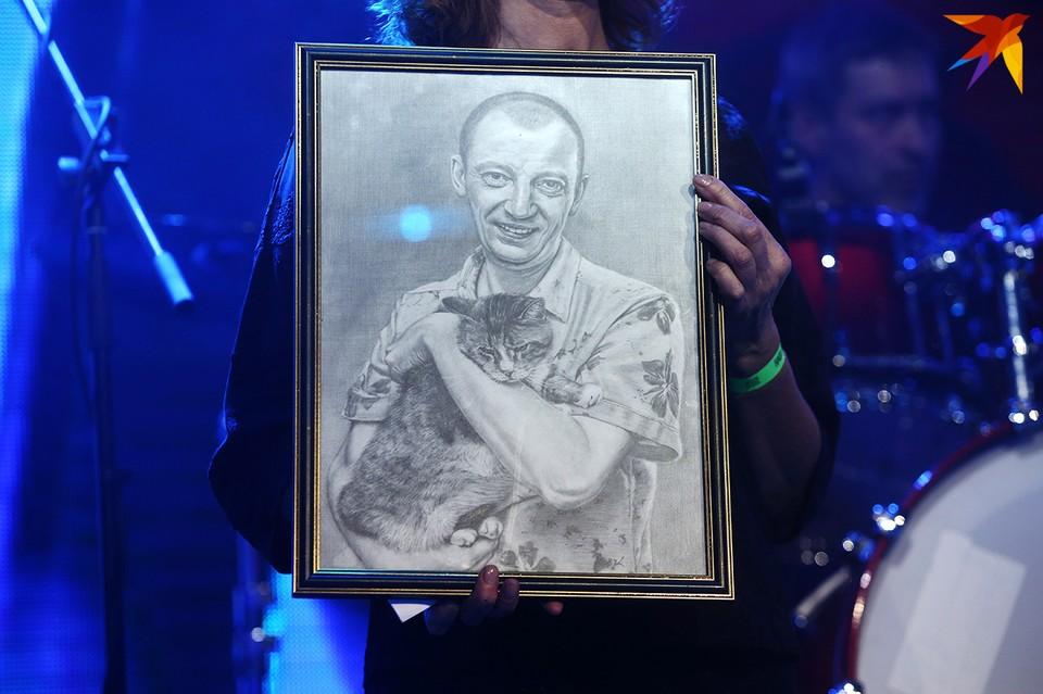Сестре Куллинковича Римме Былинской в гримерку принесли портрет дяди Саши