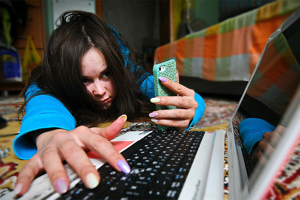 Мобильные платежи и почтовые переводы начнут отслеживать