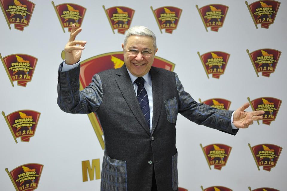 Петросян выпил шампанского за развод с Еленой Степаненко