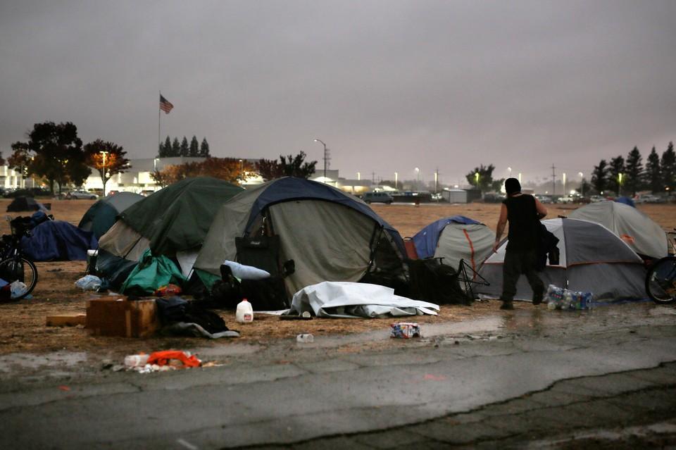 Спасательные службы Калифорнии приступят к поиску жертв пожаров на следующей неделе.