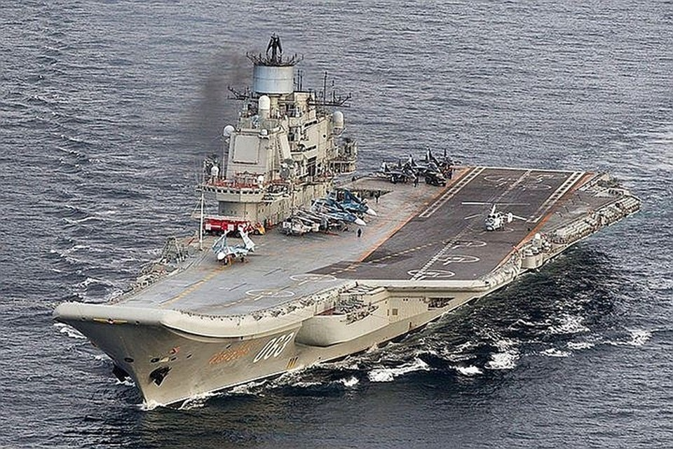 """Несмотря на дополнительные ремонтные мероприятия, обновленный """"Адмирал Кузнецов"""" обещают сдать по расписанию, в середине 2021 года."""