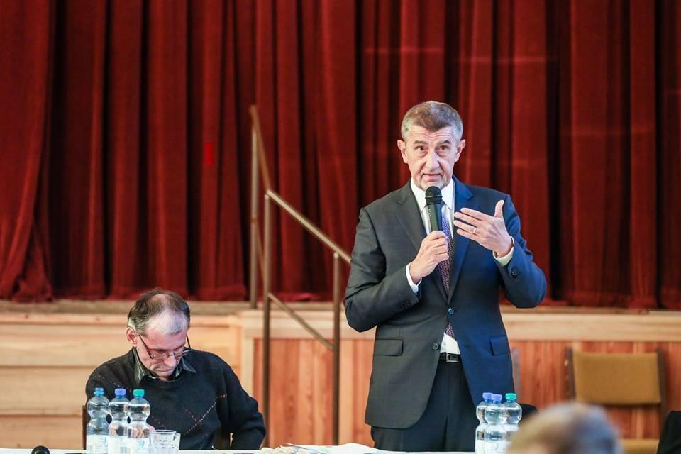Андрею Бабишу удалось избежать отставки Фото: Facebook Andrej Babiš