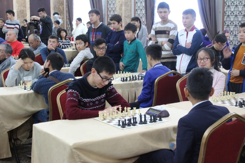 На днях в Бишкеке стартовал Чемпионат по шахматам среди ЛОВЗ