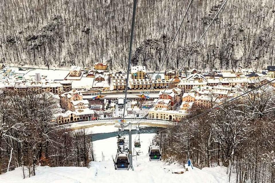 На курортах Красной Поляны стартовал горнолыжный сезон 1c5b4ec6d5e