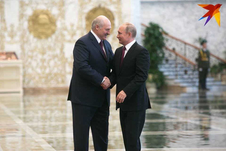 Лукашенко может встретиться с Путиным 25 декабря. Эту дату для встречи предложил российский президент