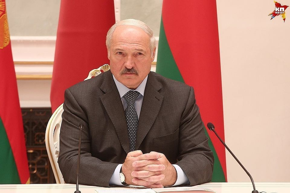 Лукашенко потребовал урегулировать вопрос компенсации за налоговый маневр за счет других направлений сотрудничества с Россией